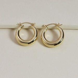 ✨2 for $15✨ Simple Gold Hoop Earrings